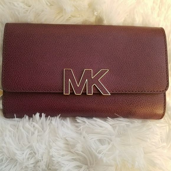 96c02a84ec8f Michael Kors Bags | Womens Wallet | Poshmark